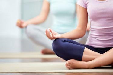 Banyak Alasan Kenapa Harus Mencoba Yoga
