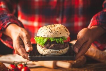 6 Kebiasaan yang Bisa Memicu Kolesterol Tinggi dan Penyakit Jantung