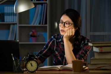 Cara Menjaga Stamina dan Kesegaran untuk Kamu yang Sering Dapat Shift Malam