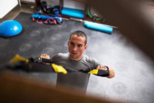 Olahraga TRX Sendiri di Rumah? Baca Dulu Ulasannya Berikut ini!