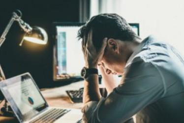 Seperti Apa Tanda Anda Lelah Bekerja? Tambah Tenaga dengan Minuman Energi