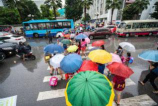 Yuk Kreatif Tambah Penghasilan Saat Musim Hujan Datang!
