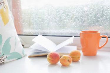 Ini Cara Tetap Seru di Rumah Saat Hujan