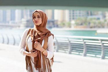 Ingin Tampil Modis Saat Lebaran? Tiru Gaya 5 Hijab Blogger Ini