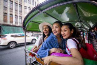 Tips Traveling Seru Bareng Sahabat